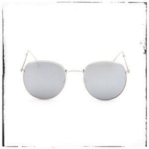 Silver Black Round Retro Sunglasses 💕